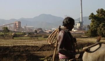 the-bauxite-refinery-that-the-niyamgiri-mine-will-feed-360x210